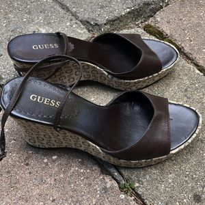 GUESS brown leather platform wedges 💋